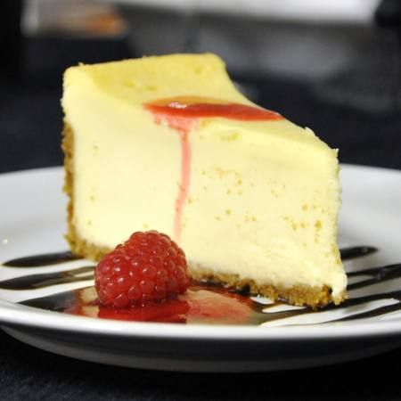 cake, eat, cheese, raspberry, plate, sweats Stephen Vanhorn - Dreamstime