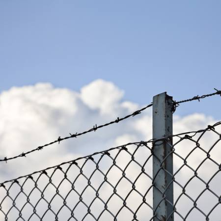 fence, clouds, sky, wire, pole Daniel Sanchez Blasco - Dreamstime
