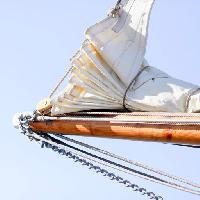Pixwords The image with sail, sky, blue sky, wood, rope, ropes, chain, chains Lars Kastilan (Laksen)